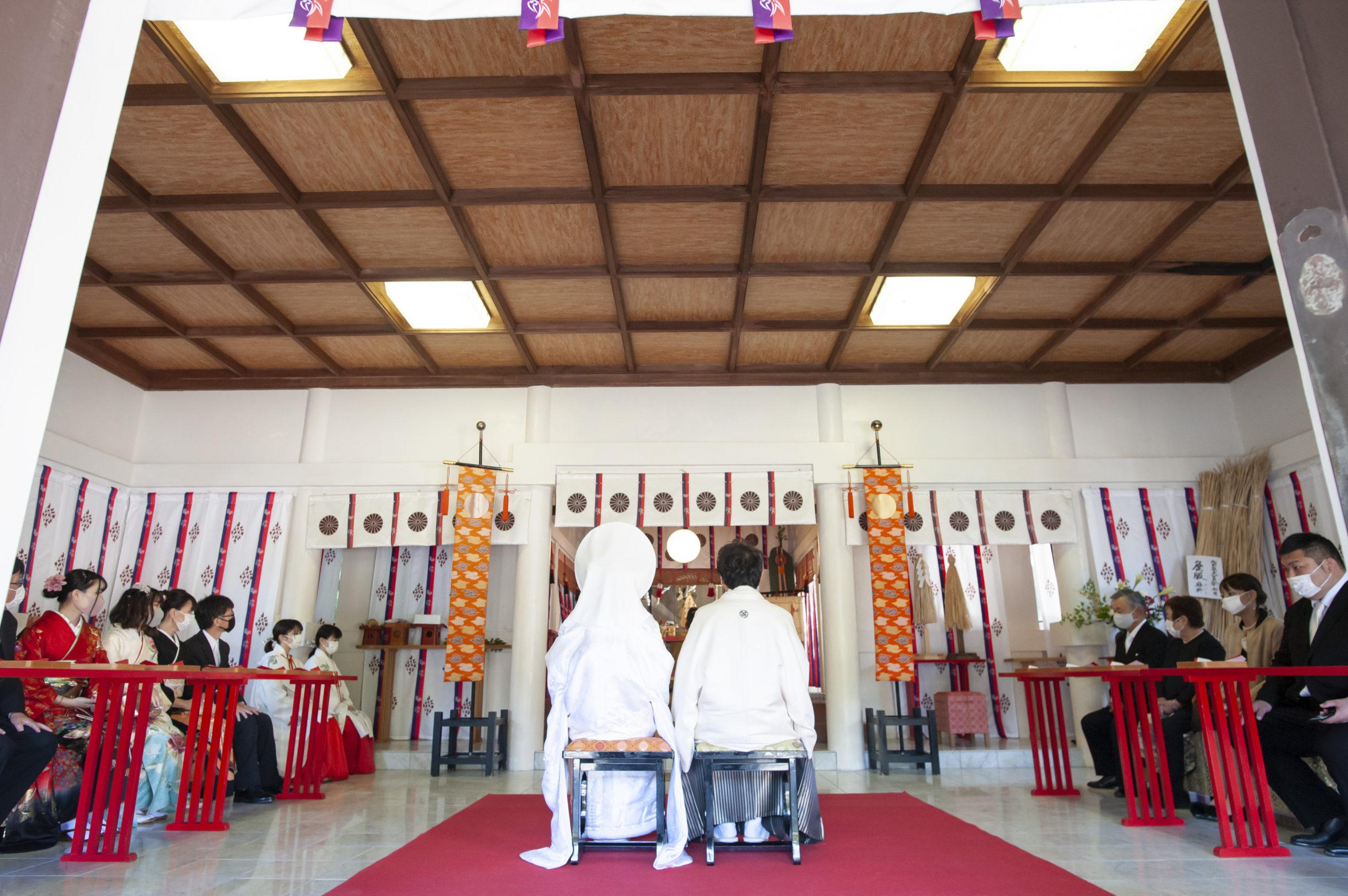 徳島市の結婚式場ブランアンジュで披露宴を行う前に挙式をした忌部神社での神前挙式