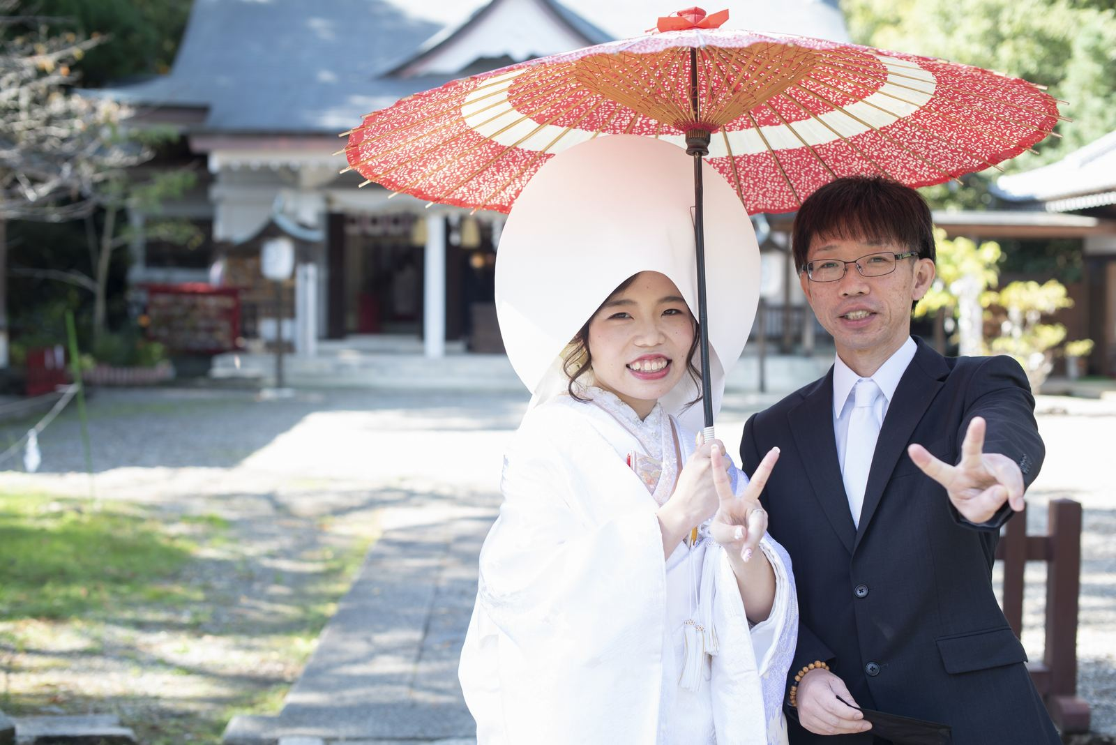 徳島市の結婚式場ブランアンジュで披露宴を行う前に挙式をした忌部神社で撮影した新婦思い出の写真